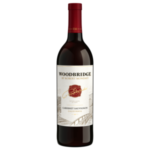 Woodbridge 2018 Cabernet Sauvignon ABV: 13.5% 1.5 Liter