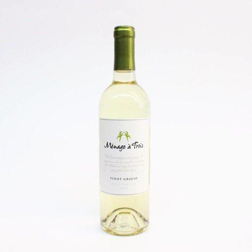 Menage a Trois 2018 Pinot Grigio ABV: 13.5% 750 mL