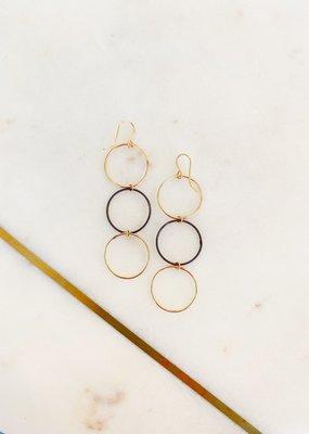Adelante Dainty Triple Hoop Earrings