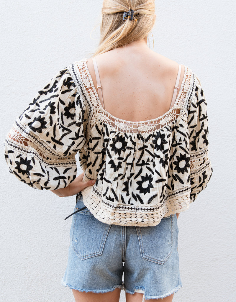 Adelante Soleil Embroidered Top
