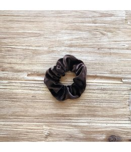 Refinery Refinery Velvet Scrunchie- Coffee