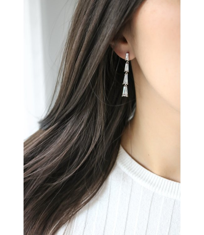 Statement Grey Violette Earring