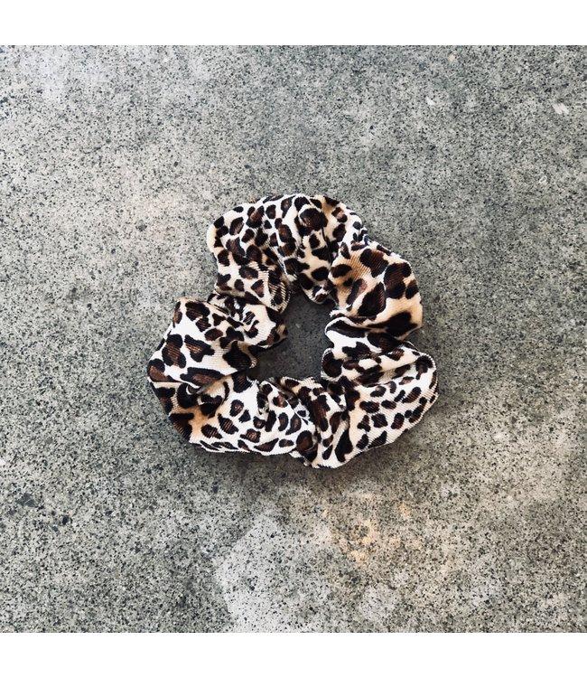 FINE Label Cheetah Velvet Scrunchie