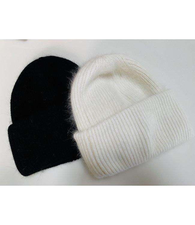 FINE Label Cashmere Chunky Knit Beanie