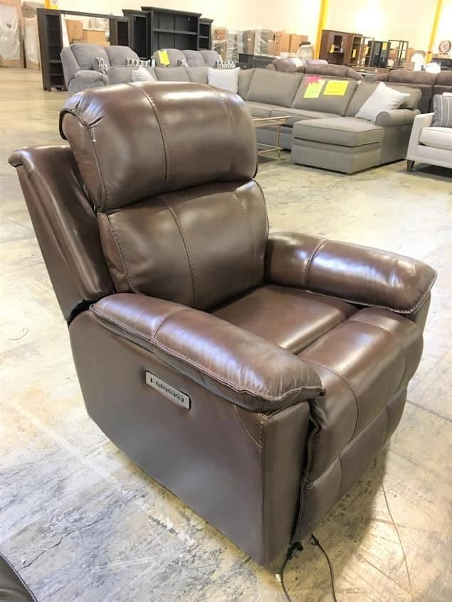 Parker House Furniture MROY#812PHL-ROB Parker House Royal PWR RCNLR & HR & LUM Chair
