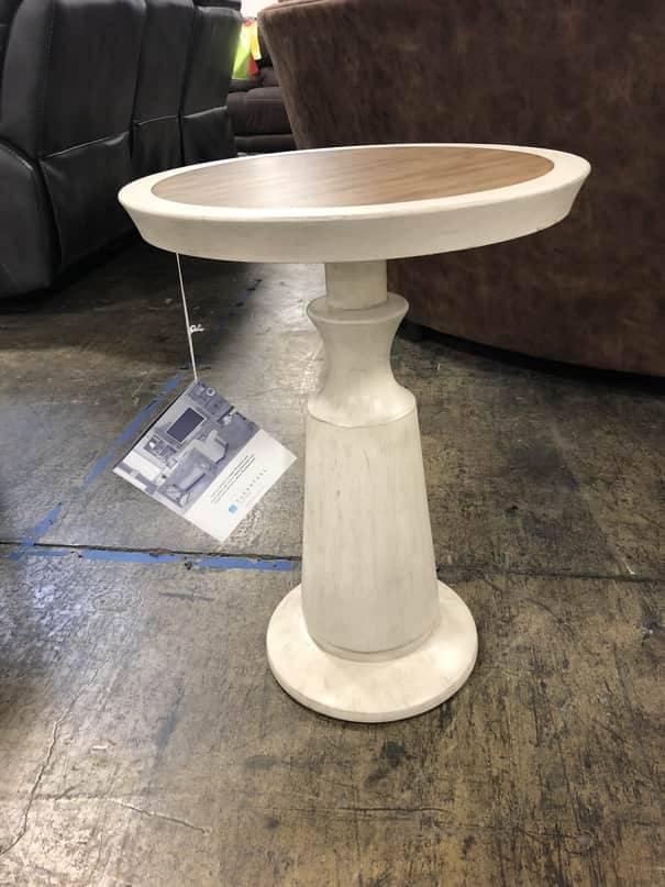 Flexsteel/Wynwood W1449-076 Flexsteel/Wynwood Miramar End Table