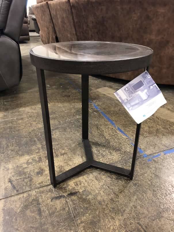 Flexsteel/Wynwood W1446-02 Flexsteel/Wynwood Carmen Round Accent Table