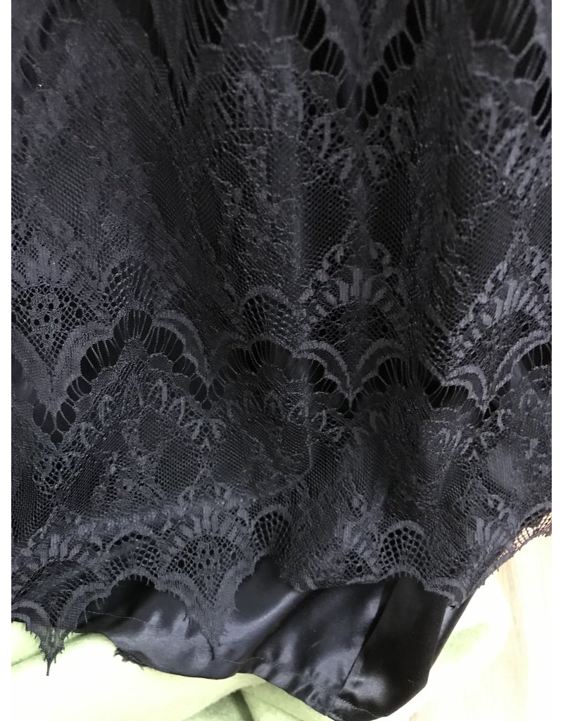 Cloak and Dagger Creations G1026 - Corset-laced fancy black gown with lace and trim