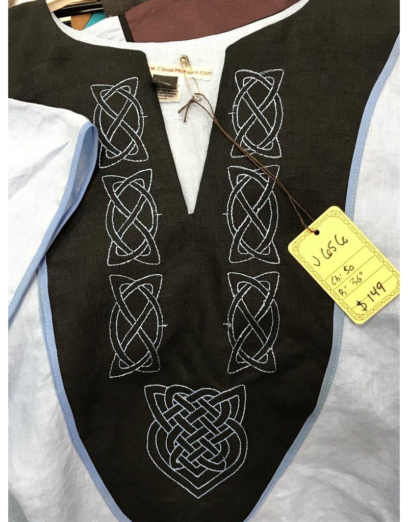 Cloak and Dagger Creations J656 - Light Blue Short Sleeve Tunic, Black Yoke, Simple & Heart Celtic Knot Embroidery, Thin Blue Trim