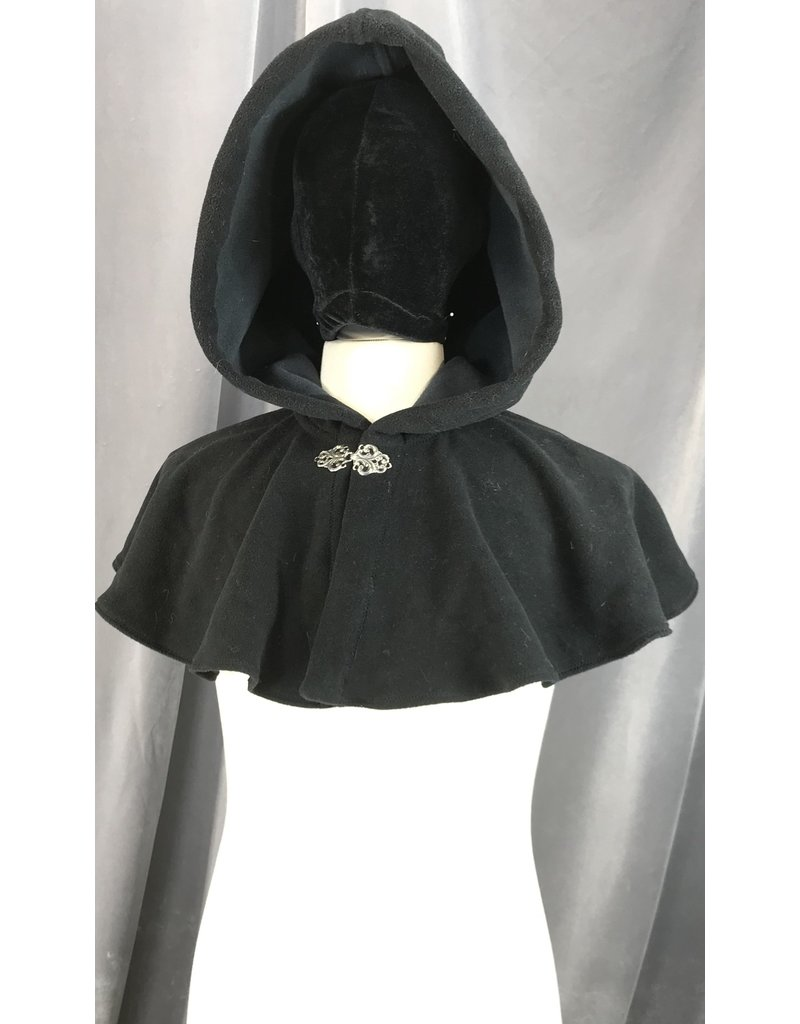 Cloak and Dagger Creations 4098 - Black Windpro Youth Short Cloak, Grey Inside, Pewter Vale Clasp