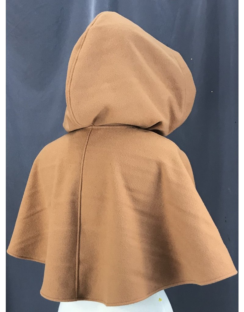 Cloak and Dagger Creations 4160 - Caramel Brown Short Shaped-Shoulder Cloak w/Pockets,  Pewter Round Triscale Clasp