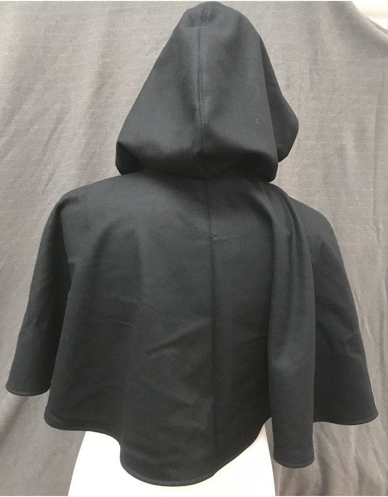 Cloak and Dagger Creations 4181 - Black Wool Short Cloak w/Pockets, Pewter Vale Clasp