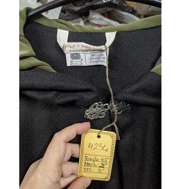Cloak and Dagger Creations 4236 - Black Full Circle Wool Blend Ruana-Style Cloak, Hunter Green Moleskin Hood Lining, Pewter Vale Clasp