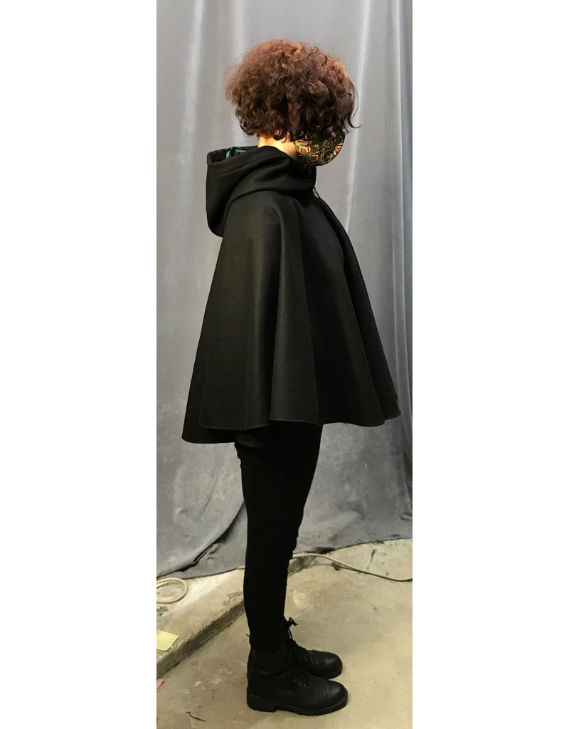 Cloak and Dagger Creations 4313 - Short Black Cloak w/Green Hood Lining, Pewter Vale Clasp