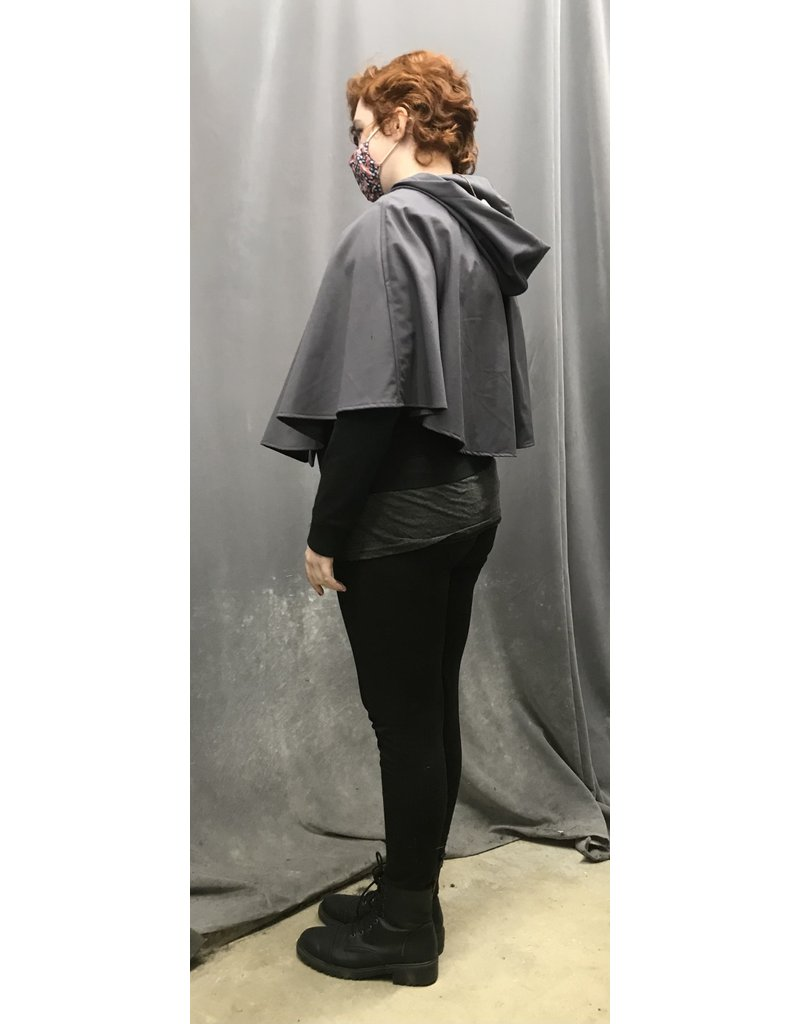 Cloak and Dagger Creations 4362 - Easy Care Grey Shaped Shoulder Short Cloak, Unlined Hood, Pewter Clasp