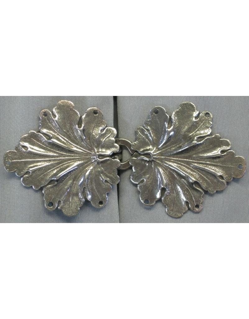 Cloak and Dagger Creations Geranium Leaves, Large Cloak Clasp - Silver Tone Plated