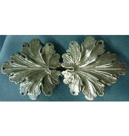 Cloak and Dagger Creations Geranium Leaves, Medium Cloak Clasp - Silver Tone Plated