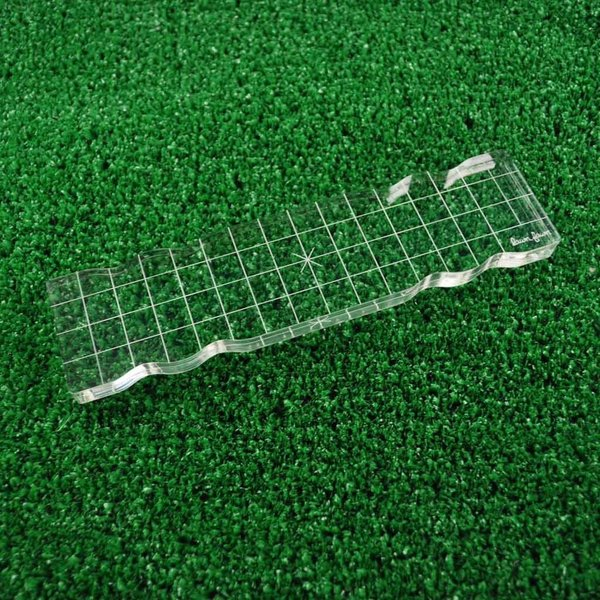 Lawn Fawn Acrylic Stamping Block With Grip and Grid (2x8)