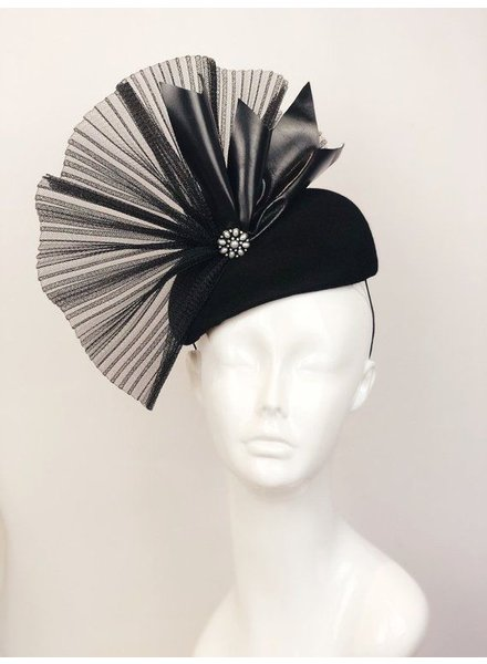 PATRICIA MELICAN MILLINERY THE RAVEN FASCINATOR
