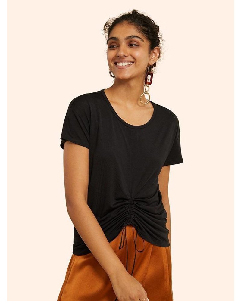 KINLY RUCHED DETAIL TEE