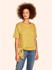 KINLY MUSTARD TEE