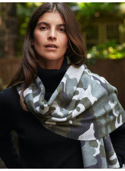 WHITE + WARREN CAMO THERMAL SCARF