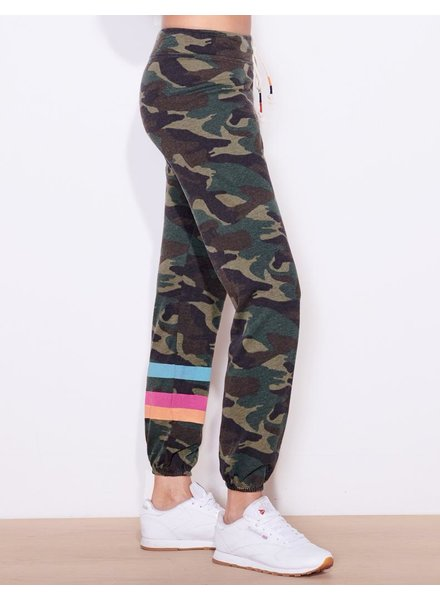 SUNDRY STRIPES CAMO BASIC SWEATPANTS