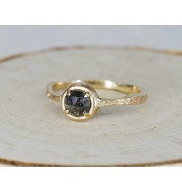Jenny Reeves Alaria Solitaire 18k Gold: Size 7