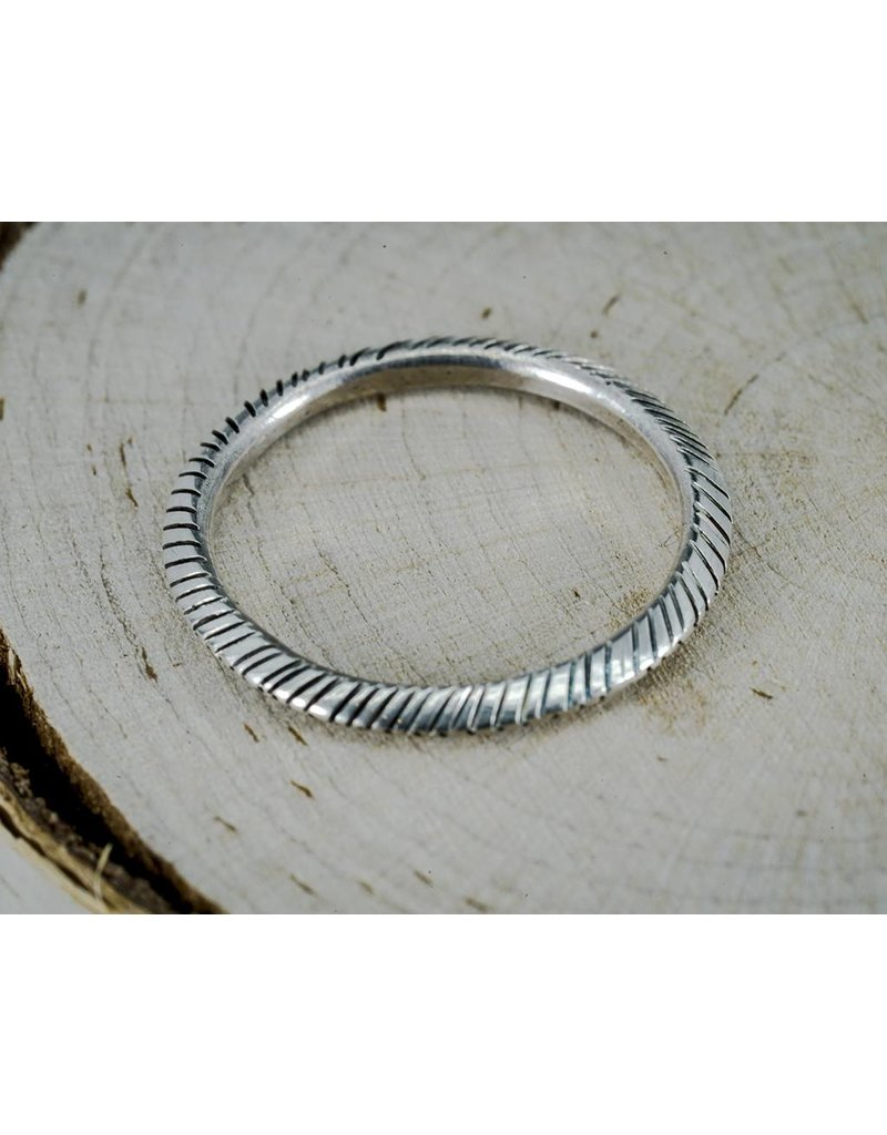 Elle Naz Silver Peak Ring