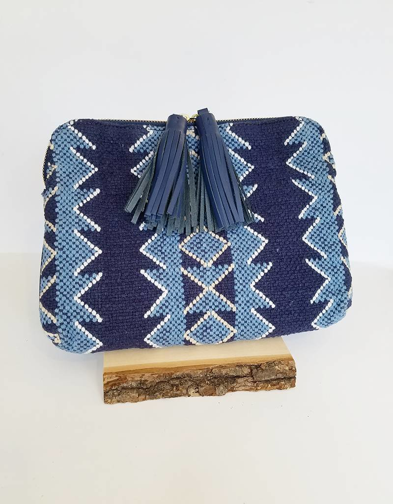 Bloom & Give Kavya Clutch-Indigo Blue