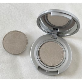 Eyes Oyster RTW Eyeshadow Pan