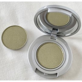 Eyes Bare Feet Pan RTW Eyeshadow