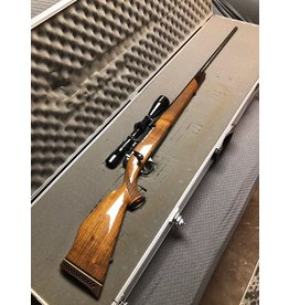 Weatherby Mark V Weatherby 300 Wby Mag UNFIRED with Redfield scope