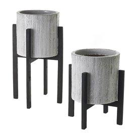Camden Pot w/Legs