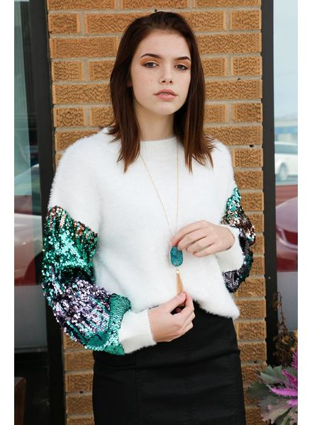 Cream Sweater w/Sequins Sleeve -