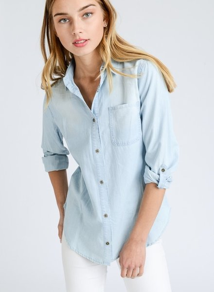 Love Tree Light Denim Button Down Size Small