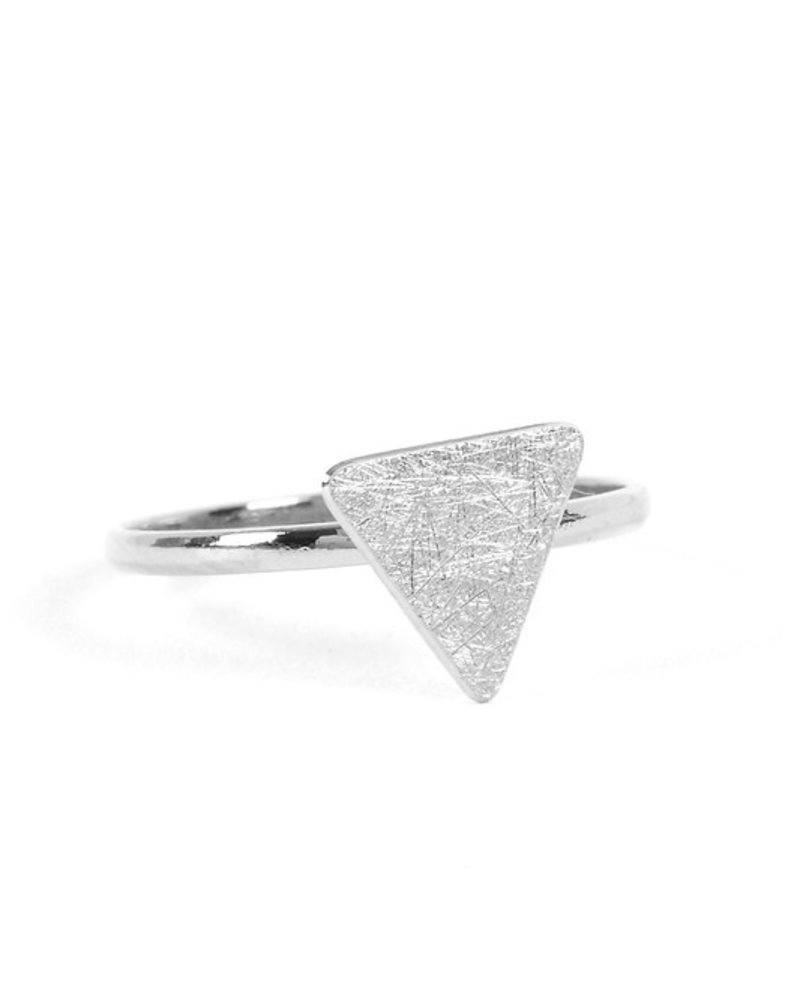 Adjustable polished band ring with Triangle