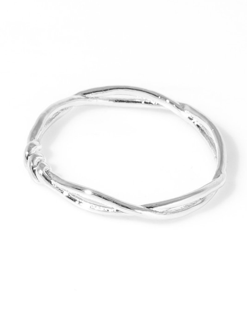 Double twisted metallic band ring