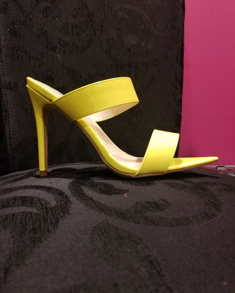 Anne Michelle 2 Band Pointy Insole Heel Lime Size 8