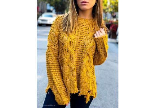 Moon River Cruz Distressed Hem Sweater