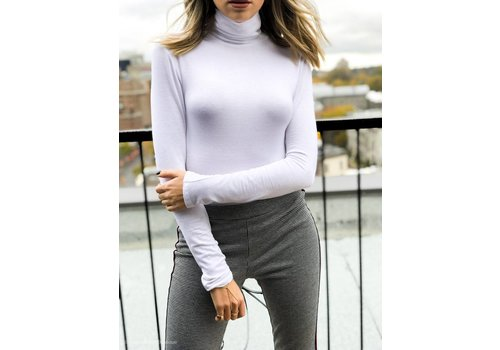 Nouveau Noir The Basic Turtleneck White