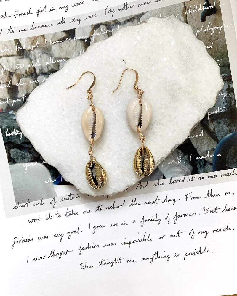Nouveau Noir Tulum Shell Earrings Gold