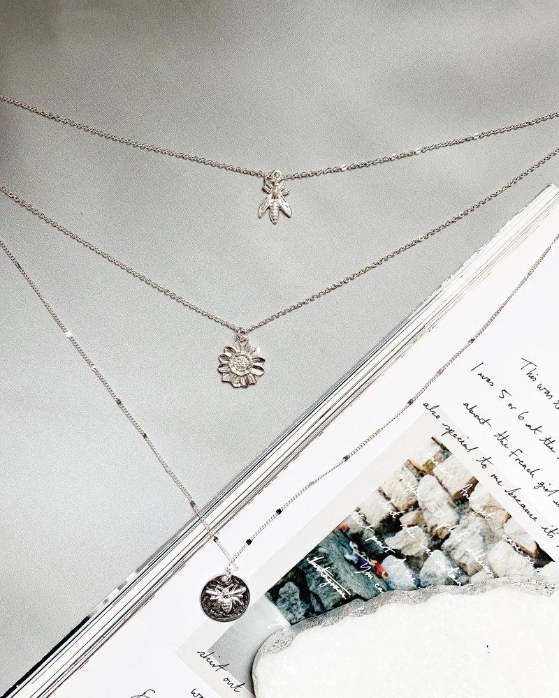 Nouveau Noir Queen Bee Necklace Silver