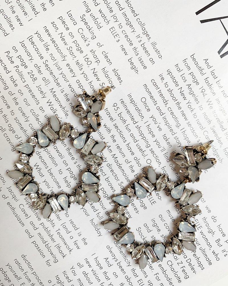 Nouveau Noir Janella Earrings White