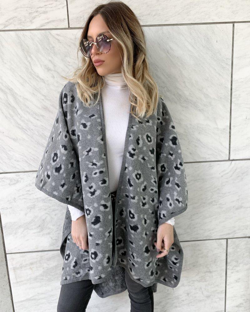 Nouveau Noir Chiara Leopard Poncho