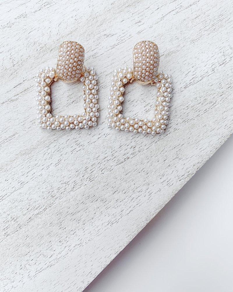 Nouveau Noir Lilly Earrings