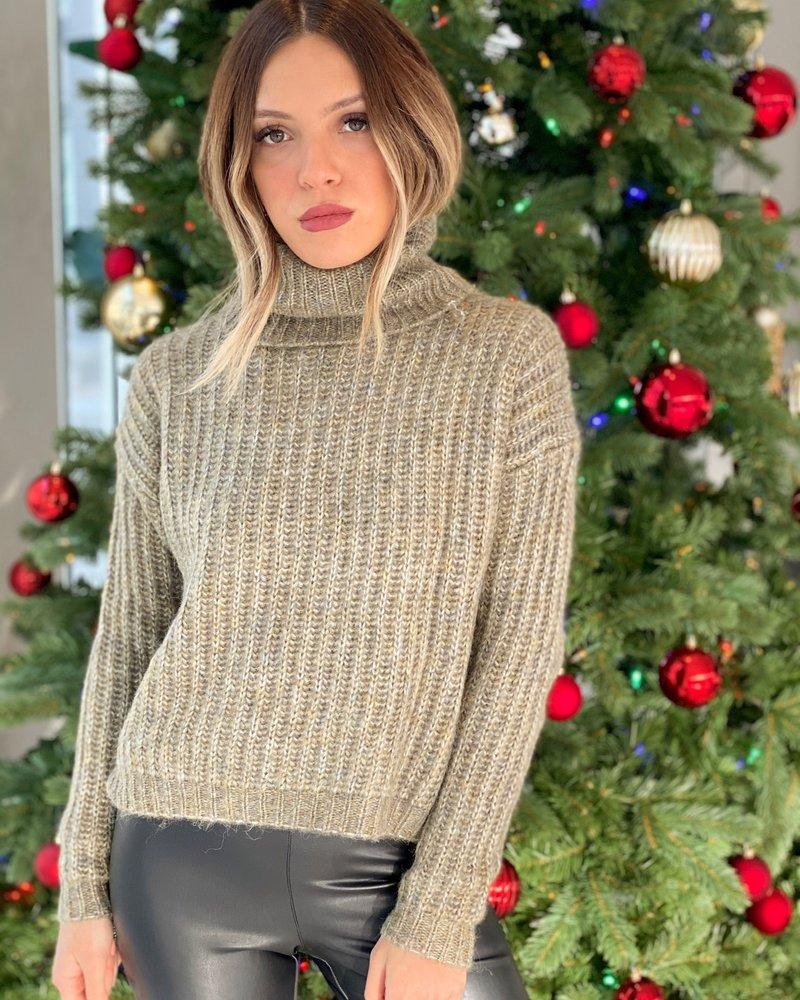 Nouveau Noir Chunky Pullover Knit