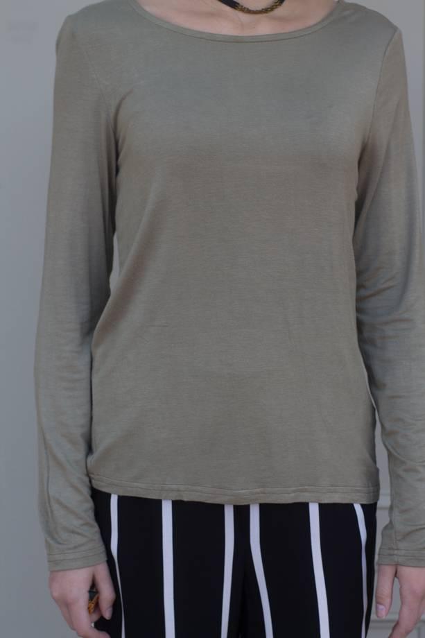 Elizabella L/S Jersey Top W/Lace Open Back