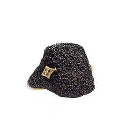 Armenta Medium Pave signet with black sapph and champ diamond