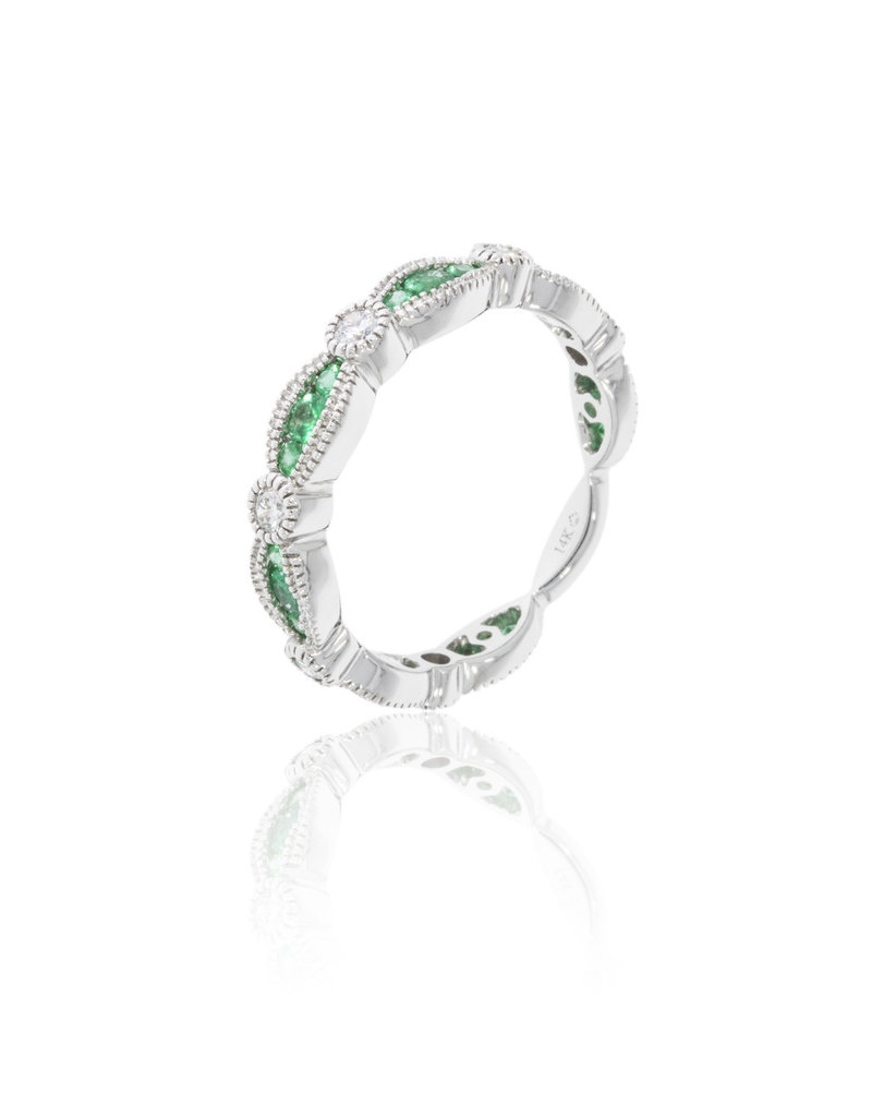Luvente White Gold Emerald & Diamond Ring
